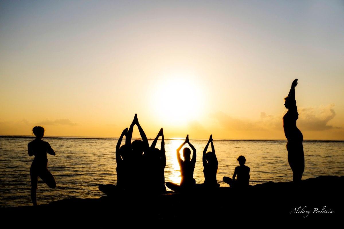 Йога ретрит с Кристиной и Алексеем Булавиными на берегу Эгейского моря