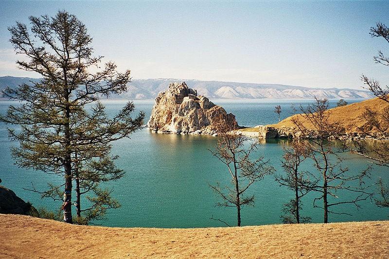 Шаман-скала на острове Ольхон. Фото: Kirsten Buerger