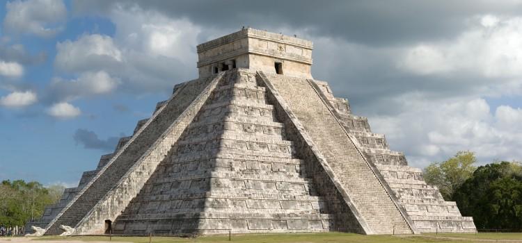 А вы знали, что знаменитая пирамида Чичен Ица – это две пирамиды?
