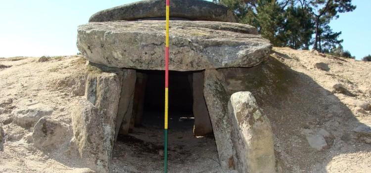 Доисторические гробницы, возможно, использовались в качестве телескопов