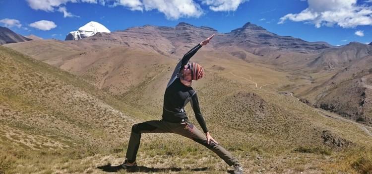 Тибетская фотосессия на высоте 5,1км преподавателя йоги — Кирилла Ржаного