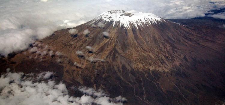 8-летняя школьница покорила Килиманджаро