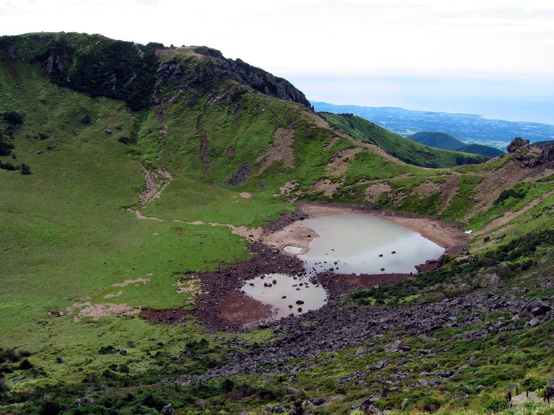 Озеро Пэнноктам на вершине Халласана