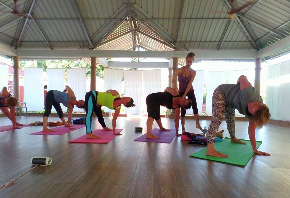 Женская йога. Занятия